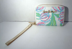 Lilly Pulitzer 68244 White Green Blue & Pink Wristlet with Flower Designs!