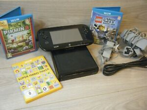 NINTENDO WII U 32GB BUNDLE INCLUDES CONSOLE GAME PAD AND 3 GAMES