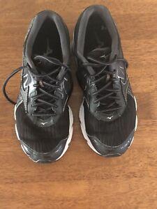 Mizuno Wave Inspire 14 Womens Running Shoes US 9.5 UK 7