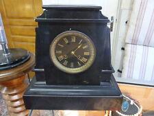 Pendule borne en marbre noir napoléon III