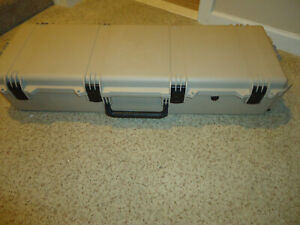 Pelican iM3220 Storm Case with some foam (see pictures) - TAN