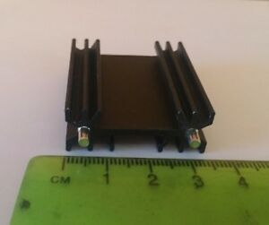 Extruded Heatsink TO-218, TO-220, TO-247  2 PIECES per order     Z1749