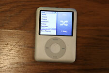 Apple iPod nano 3rd Generation Silver (4 GB)