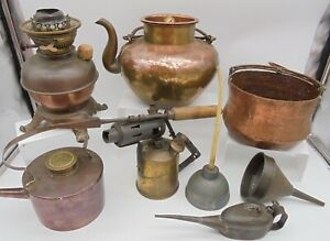 7.7kg Job Lot of Vintage Brassware Brass Teapots, Gas Lamp, Oil Can etc