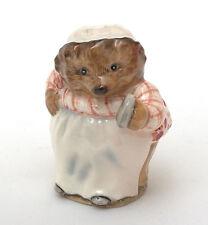 Beswick Beatrix Potter Figurine - Mrs. Tiggy-Winkle BP-2a Gold Oval (2)
