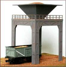 Knightwing PM102 Operating Coal or Gravel Loader 00 Gauge Plastic Kit - 1st Post