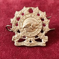 WW2 Les Francs Tireurs Du Saguenay Canadian Collar Shoulder Cap Badge