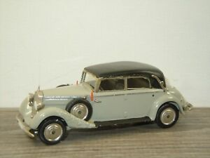 Mercedes 170 Convertible ( Closed Roof) - Western Models 1:43 *53053