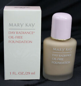 Mary Kay Day Radiance Oil Free Foundation New NOS Authentic Buffed Ivory 6345