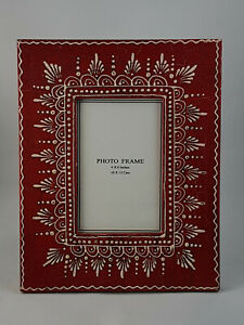 """Red Coloured  Hand Crafted, Painted Wooden Photo Frame, Photo size 5""""x7"""""""