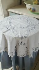 Round table cloth & topper