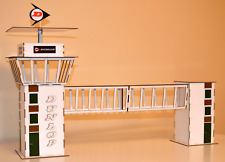 1:32 Scale Dunlop Control Centre/Crosswalk Kit - Scalextric/Other Static Layouts