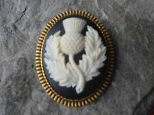 SCOTTISH THISTLE CAMEO ANTIQUED GOLD BROOCH / PIN / - SCOTLAND
