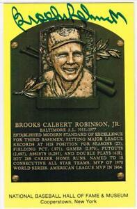 Original Autograph PSA/DNA of Brooks Robinson on a HOF Plaque Postcard