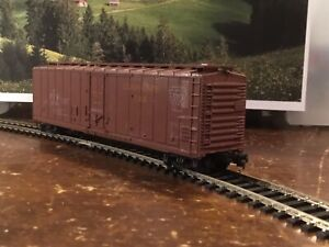 HO Scale Brown Cargo Carriage #79