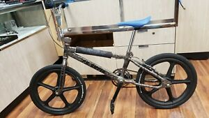 P.K. RIPPER Loop Tail SE Racing BMX Innovations Bike