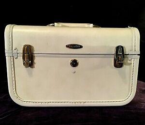 """1950's Taperlite Train Case, 14""""X 9"""" X 8"""", White/Cream, Very Good Condition"""