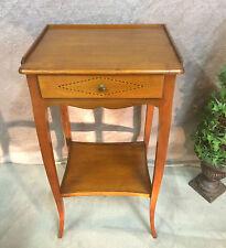 Table de chevet ou d'appoint en merisier à un tiroir de style Louis XVI