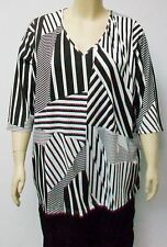 NAIS,DANISH DESIGN ,BLACK AND WHITE PATTERN TUNIC, THEIR SIZE LARGE.