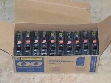 New ListingLot Of Square D Qo120 20 Amp 1 Pole 120/240V Plug-On