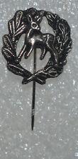 Hunting Fawn Baby Deer vtg hat lapel cast metal pin badge Rehbaby Anstecknadel