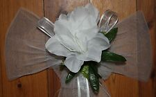WEDDING PARTY DECORATION CHURCH PEW CHAIR BOW LILY YOUR CHOICE OF IVORY OR WHITE