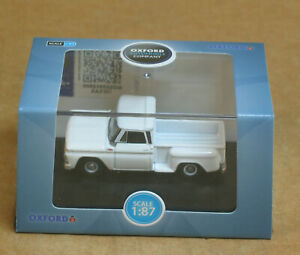OXFORD Automobile Company HO 1965 Chevrolet Stepside Pick Up White