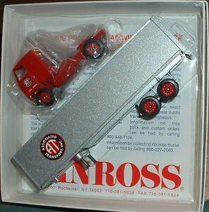 Associated Transport '94 Mack Winross Truck 1 of 288