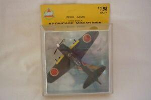 AHM Modello Aeroplano - Vetrina Miniature - Zero A6M5 1:100 Conf. Orig.