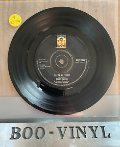 "Brett Smiley - Va Va Va Voom  Rare 7"" Vinyl Record Rock / Glam Ex Condition"