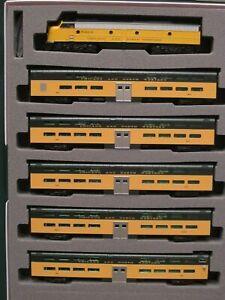 KATO 106104 N C&NW EMD E8A & Pullman Bi-Level 400 Train 6-Unit Set 106-104