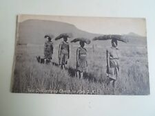 SOUTH AFRICA, Zulu Girls Carrying Thatch For Huts    §A2167