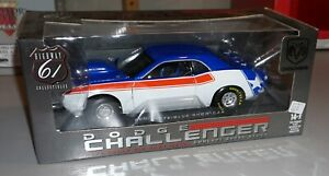 Dodge Challenger Red White Blue Show Car Highway 61 1/18 Diecast New In Box.