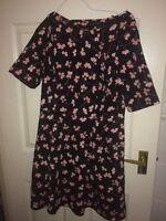 NEXT WOMENS UK SIZE 14 PETITE BLACK KNEE LENGTH SHORT SLEEVED DRESS (EX COND)