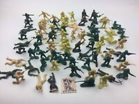 """Toy Army Men Green Plastic Unmarked Soldiers 1.75"""" - Lot of 80"""
