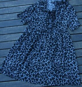 REVIVAL DRESS SIZE 10 NWOT LOVELY BUTTONS