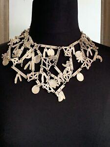 Important VINTAGE BICHE DE BERE necklace. Silver plated. Geometrical design.40cm