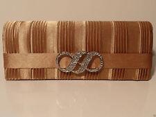 Unifarbene Abendtaschen mit Fächern und Magnetverschluss