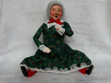Byers Choice The Carolers Mrs Claus Wrapping Gifts