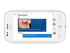 Téléphones mobiles blancs avec écran tactile sur désimlocké