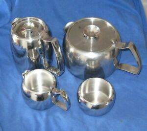 Mid Century Old Hall Heirloom Four Piece Teapot Tea Set Mirror Finish