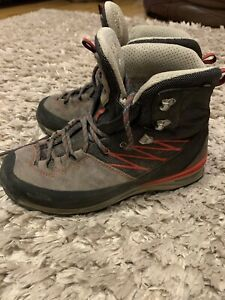 North Face Mens Size 10 Hike Boots Goretex