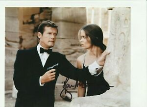 Roger Moore Signed JAMES BOND 10x8 Photo