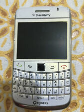 BlackBerry 9780 Bold Smartphone 5MP.Bluetooth,3G,Wi-Fi,Rogers,white