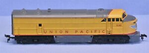 HO AHM/Tempo Union Pacific 1041 FM C-Liner Diesel-Cleaned Oiled Runs Great