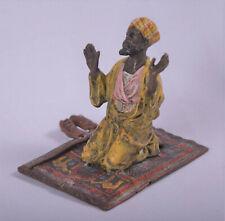 Figur gestempelt Wiener Bronze Araber auf Tepich Farbige Bronzefigur