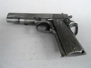1970s VINTAGE BELT BUCKLE #18- 26 - M-156 GUN -  BERGAMOT BRASS WORKS