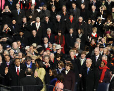 BARACK OBAMA IS SWORN IN AS 44TH PRESIDENT JANUARY 20, 2009  8X10 PHOTO (ZY-621)