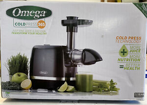 Omega H3000D Cold Press 365 Juicer Slow Masticating Extractor Creates Delicious