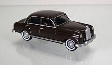 Wiking 014001 Mercedes Benz 220 Ponton – dunkelbraun